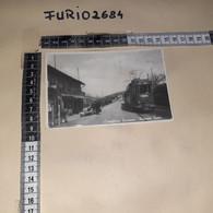 C-100434 CASTIGLIONE TORINESE FERMATA TRAM PANORAMA AUTO D'EPOCA - Altre Città