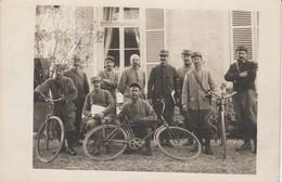 Carte-photo - CORBEIL  - Groupe De Militaires  Avec Vélos - Corbeil Essonnes