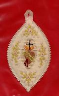 - SOUVENIR DE PREMIERE COMMUNION / SUR TISSU BRODE -- - Imágenes Religiosas
