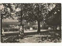 . CPSM, D.63, N°155, Puy De Dôme , Giat , Vue Générale  Ed. Théojac  1956 - Andere Gemeenten