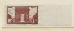 MONUMENTS ET SITES ARC DE TRIOMPHE  2 F  Brun Rouge N° 258 Neuf ** - Unused Stamps