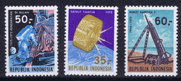 Indonesia Space 1972 Apollo 11, TIROS And Missile. - Indonesia