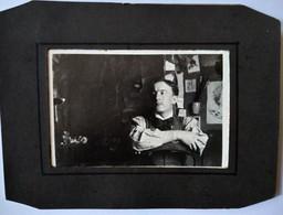 Photographie Portrait De Albert Arnaud ,Artiste Décorateur Dans Son Atelier , 15 Quai Aux Fleurs à Paris 1900 Cf. Nnonce - Old (before 1900)