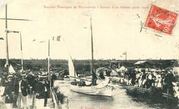 Société Nautique De Narbonne = Sortie D' Un Bateau       2413 - Narbonne
