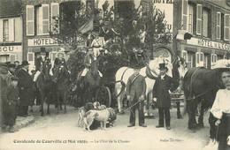 CPA - 51 MARNE COURVILLE CAVALCADE 2 MAI 1909 LE CHAR DE LA CHASSE ATTELAGE CHIEN FANFARE VOITURE CHEVAUX HOTEL DE L'ECU - Other Municipalities