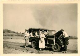 CAMEROUN FIGNOLE 1957 FARO SOEURS DU SACRE COEUR ET LEUR AUTOMOBILE PHOTO ORIGINALE FORMAT 10 X 7 CM - Africa