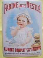 LA PUBLICITE. LES ENFANTS. FARINE LACTEE NESTLE. PARIS. 3°ARRONDISSEMENT. 16 RUE DU PARC ROYAL. 100_2500GRT - Plaques émaillées (après 1960)
