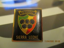 A0018 -- Pin's Sierra Leone - Ciudades