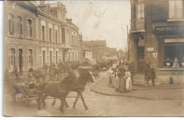 CARTE-PHOTO  WW1 NORD LECLUSE Rue Des Liniers Mouvements De Troupes La  Mairie Et  Pharmacie Occupation Allemande - Non Classificati