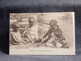 Lesotho Fillettes Jouant Aux Osselets__(10503) - Lesotho