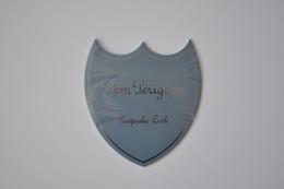 Plaque En Métal 'Dom Pérignon' - Plaques émaillées (après 1960)
