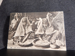 Algeria Ouleds Nails Preparant Le Couscouss -24__(13319) - Autres