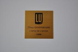 Plaque 'Lu - Usine De Cestas' - Plaques émaillées (après 1960)