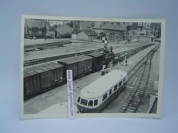 P.O.C Locomotive à Vapeur Et Autorails à Quai En Gare De ???? - Treni