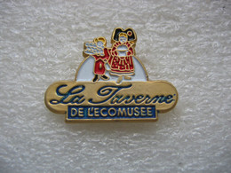 """Pin's Du Restaurant """"la Taverne"""" Du Parc De L'écomusée à UNGERSHEIM (Dépt 68) - Alimentazione"""