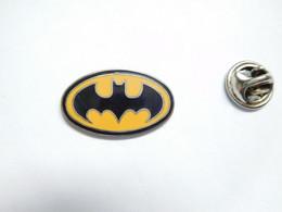 Beau Pin's Pins En EGF , Cinéma , BD Comics , Batman - Fumetti