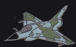71336-Pin's -Avion.aviation.Militaire.Armée.signé Boussemart 94. - Aerei