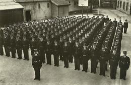 CPSM Présentation D'une Promotion De L'Ecole Des Brigades Des Douanes De Montbéliard éditée Début 1953 Studio Jean Sabot - Montbéliard
