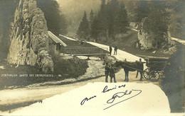 Pontarlier Les Dames Des Entreportes Douaniers Contrôlant Un Attelage Carte-photo écrite En 1903 édit Borel - Pontarlier