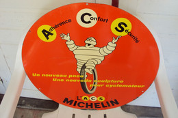 """Plaque Ancienne En Tôle """"MICHELIN"""" Double Face, Diamètre: 46,5 Cm - Autres"""