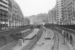 Avenue Henri Martin. Automotrice Standard. Cliché Jacques Bazin. 01-1972 - Treinen