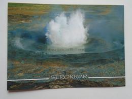 D180281  Iceland Island  - Geyser Strokkur  -GOshverinn Strokkur - IJsland