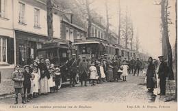 FREVENT              LES AUTOBUS PARISIENS RUE DE DOULLENS - Otros Municipios