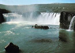 1 AK Island * Der Goðafoss (Götterwasserfall) - Einer Der Bekanntesten Wasserfälle Islands - Im Nordosten Des Landes * - IJsland