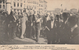 Oostende  Ostende , Visite Royale à Ostende 4 Septembre 1905 , Accompagné L'évêque De Bruges , Entrant à église Primaire - Oostende