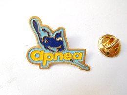 Beau Pin's Pins , Plongée , Homme Grenouille , Apnéa , Média Journal - Immersione