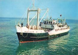 Bateau Le Belle Isle Assurant Le Service Des Passagers Entre Quiberon Et Belle Ile - Altri