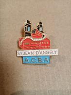 Pin's  St Jean D'Angely A.C.B.A. - Città
