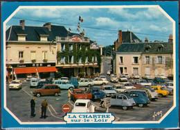 58  LA CHARITE Sur LOIRE La Place CPM écrite Avec Voitures  2CV-4L-DAUPHINE - La Charité Sur Loire