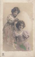 Deux Jeunes Filles Et Un énorme Oeuf - 1912 - Pascua