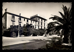 83 - CAVALAIRE-SUR-MER - HOTEL DE LA PLAGE AVENUE DES ALLIES - Cavalaire-sur-Mer
