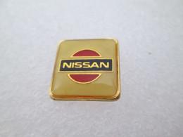 PIN'S      LOGO   NISSAN - Altri