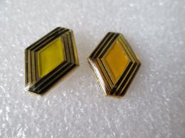 PIN'S  LOT  2    LOGO   RENAULT   (jaune Citron Jaune Orangé ) - Renault