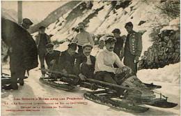 CAUTERETS  :  Les Sports D'Hiver Dans Les Pyrénées  -  Concours International De Ski - Départ De La Course En Tobbogan - Cauterets