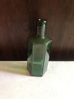 бутылочка, зеленое стекло, начало 20 в, ребристая - Sonstige