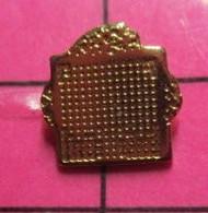 521 Pin's Pins / Beau Et Rare / THEME : INFORMATIQUE / LOGO HONEYWELL BULL - Informatica
