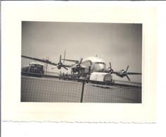 "AVION ""AIR FRANCE ""  CAMION CITERNE  ""TOTAL""  A COTE   PHOTO ANIMEE - Aviación"