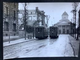 Photographie Originale De J.BAZIN Numérotée : Tramways De VERSAILLES : Église De Montreuil  En 1954 - Trains