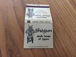 Pochette D'allumettes ETATS UNIS «Shōgun Steak House Of Japan, Japanese Hibachi Cooking» (écritures Sur Allumettes) - Matchboxes