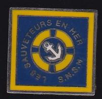71377- Pin's -SNSM.marine.bateau.sauveteurs. - Barche