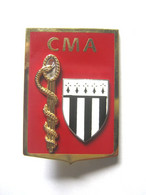INSIGNE DU SERVICE DE SANTE DES ARMEES DRSSA / CMA DE RENNES ETAT NEUF - Geneeskundige Diensten