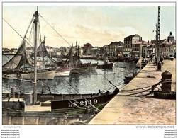 CPA (Réf:J539) LES SABLES D'OLONNE (VENDÉE 85) Le Port (Animée, Bateau De Pêche, Peugeot 203 Commerciale, Publicité LU) - Sables D'Olonne