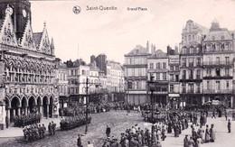 02 - Aisne -  SAINT QUENTIN - Militaires Sur La Grand Place - Saint Quentin