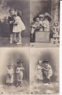 DC5232 - Ak Kleine Kinder Jungen Mädchen Küsschen Hüte  4 Karten Lot Foto Photografie - Fotografia