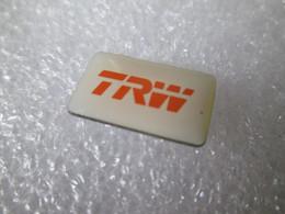 PIN'S    TRW   FOURNITURES AUTOMOBILES - Altri