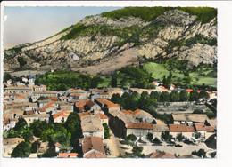 Carte ( Format 15 X 10,5 Cm ) LUC EN DIOIS La Place De La Poste ( Vue Aérienne ) ( Recto Verso ) - Luc-en-Diois